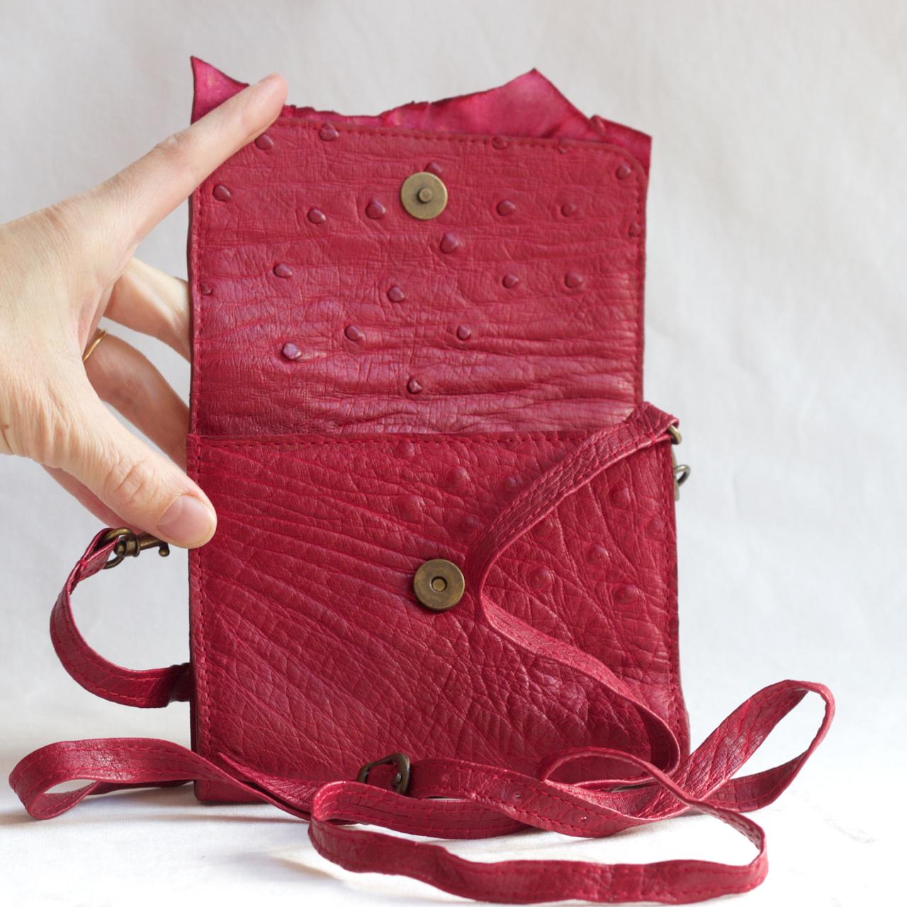 Punane kott jaanalinnunahast